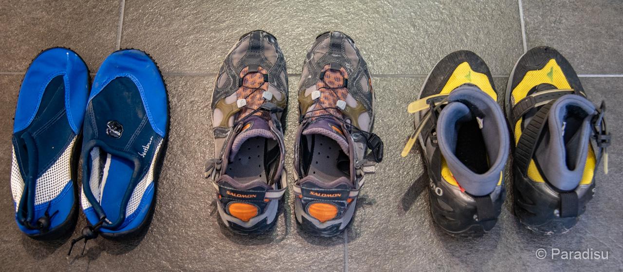 Equipement randonnée aquadique chaussures