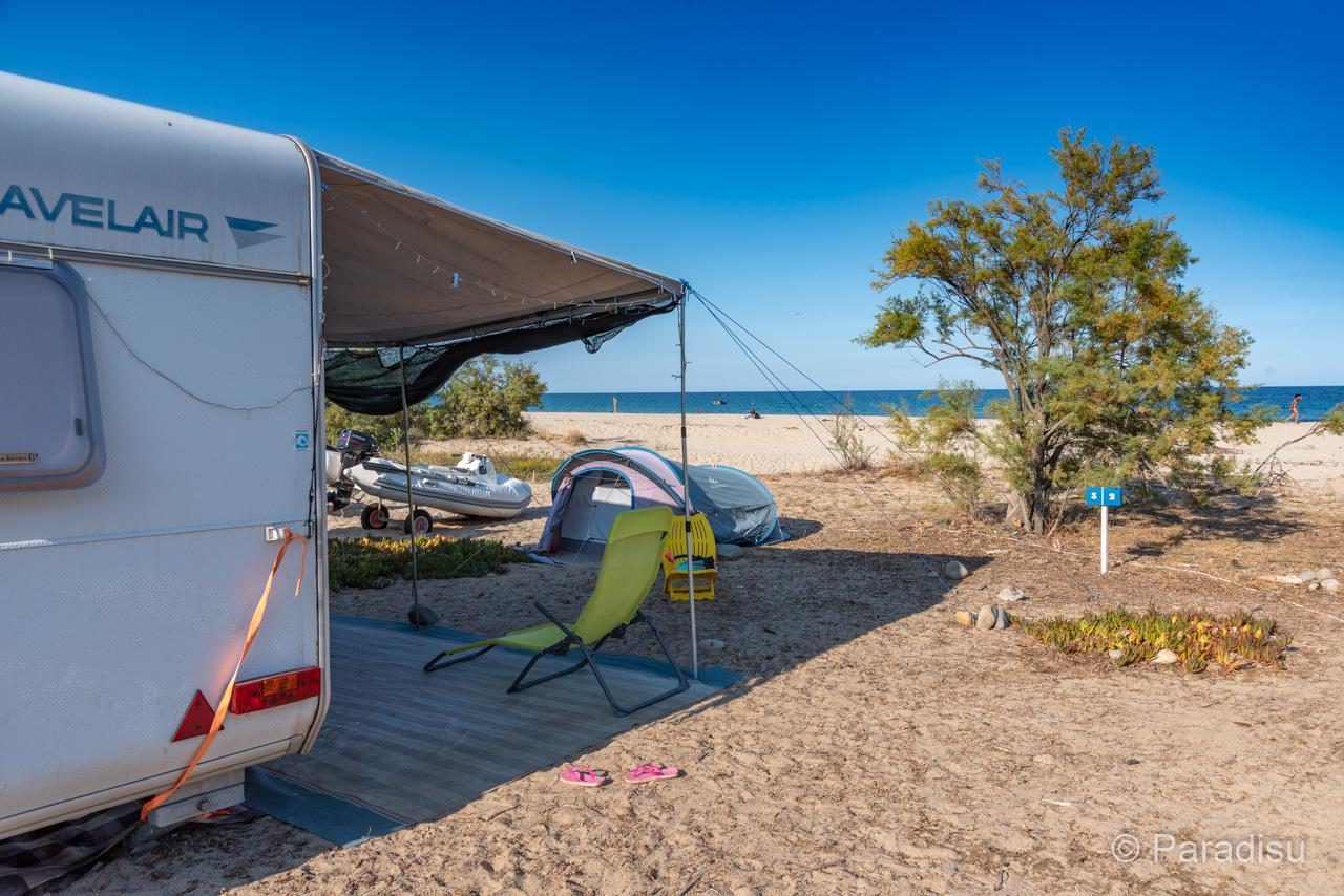 Camping En Corse 21 - Caravane Au Bord De Mer
