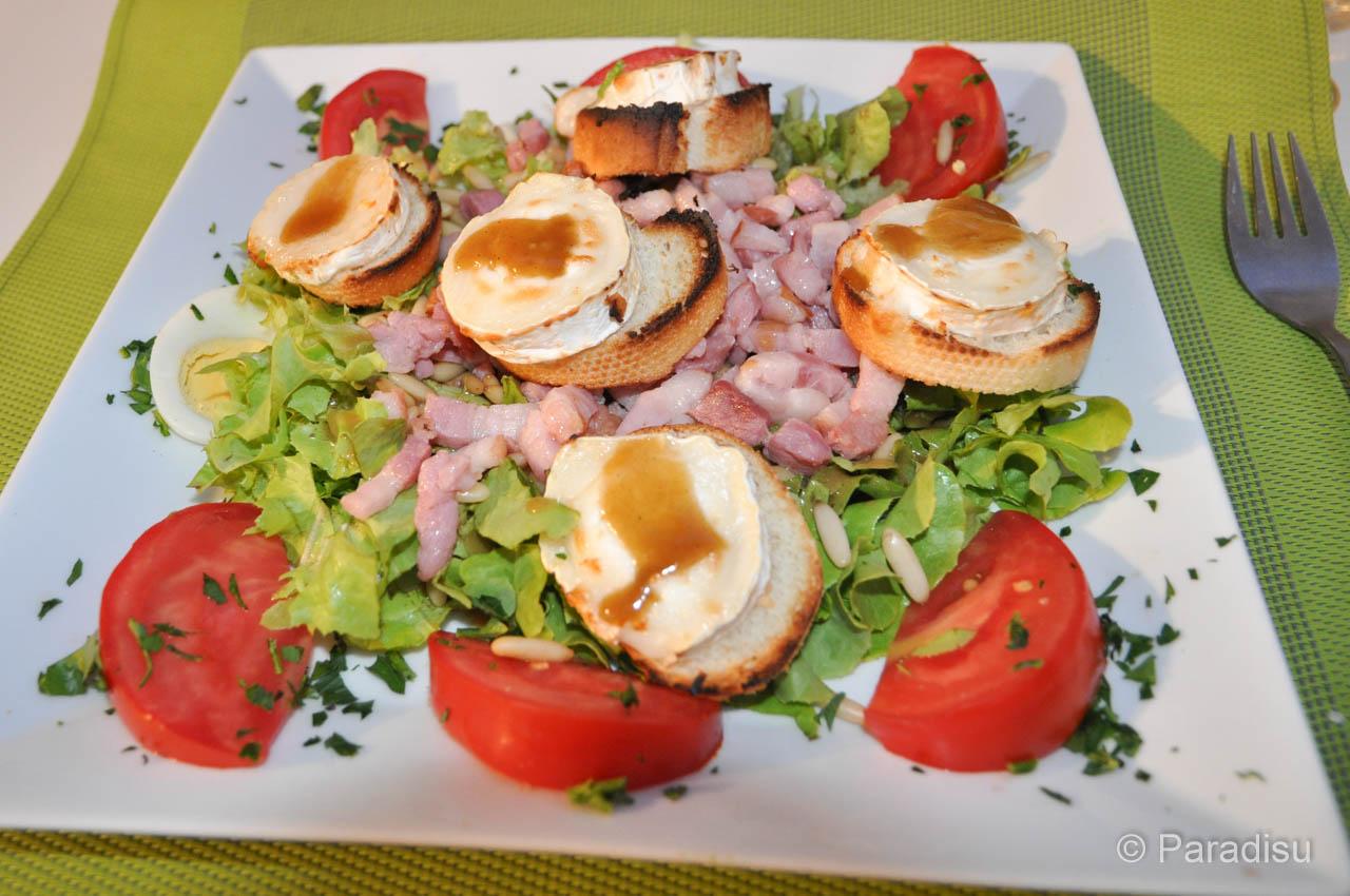 Spezialitäten Korsikas Salade Chèvre Chaud
