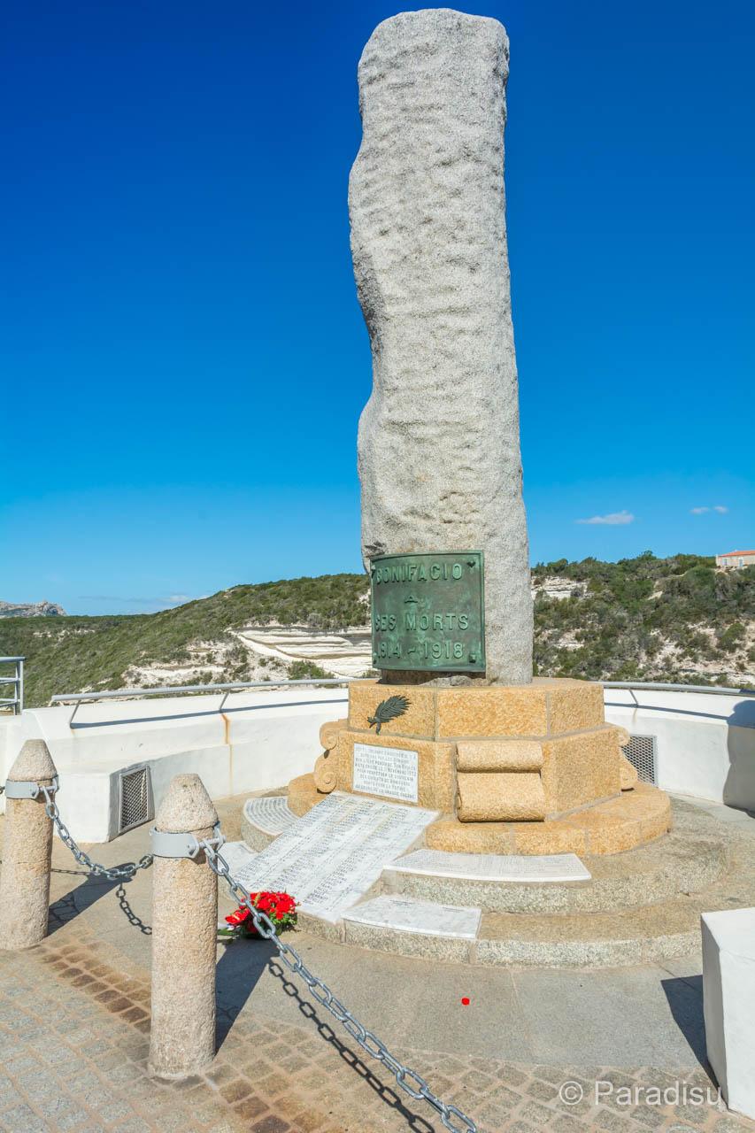 Le Monument aux Morts Bonifacio