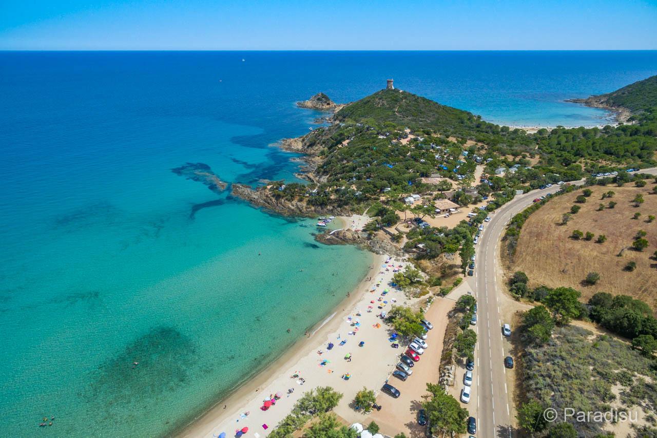 La côte sud-est de la Corse, entre Ghisonaccia et Fautea, est extrêmement variée et idéale pour des vacances plus longues.